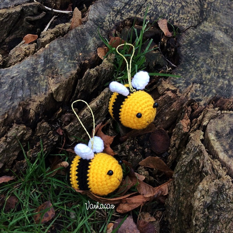 Bee Keychain/Ornament - Handmade Handcrafted Crocheted Amigurumi Christmas Children Birthday Soft Toy Gift (Price for one item)