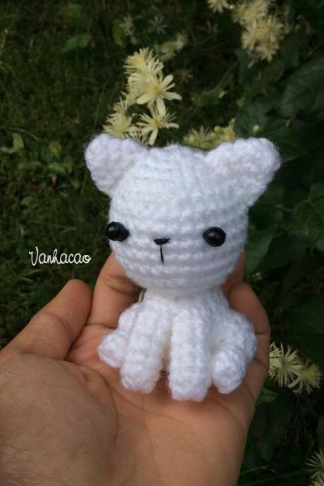 Little Kitten - Handcrafted Crocheted Cat Amigurumi Children Birthday Soft Toy House Decor Gift